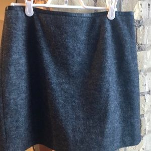 Charcoal wool/poly lined skirt